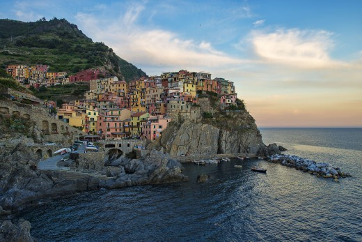 1200px-1_manarola_evening_2012